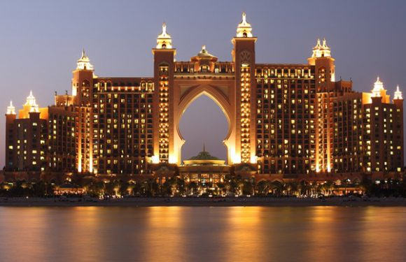 Why to visit Dubai in holidays?